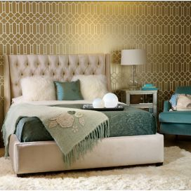 Wallcovering-from-Designers-Guild-and-Image-from-High-Fashion-Home.jpg LuxusDesign